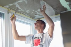 this image shows chicago apartment popcorn ceiling removal